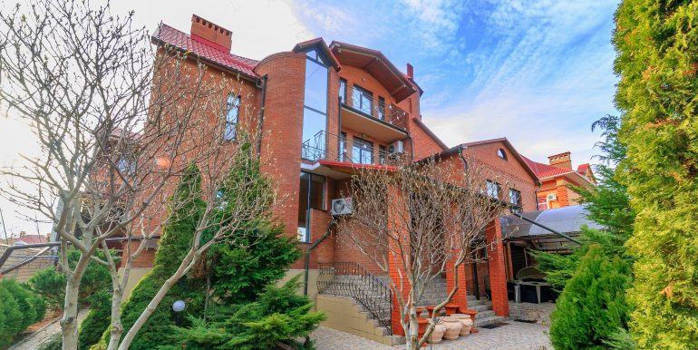 sale-odessa-private-home-for-hotel