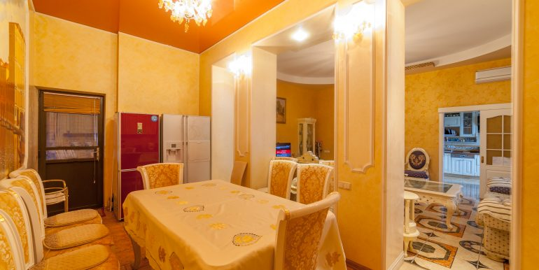 sale-odessa-private-home-for-hotel-photo-11