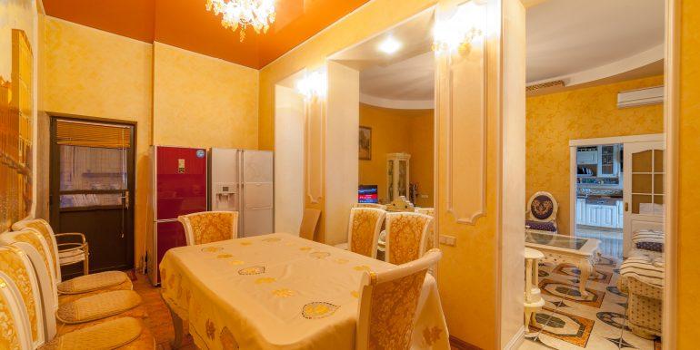 sale-odessa-private-home-for-hotel-photo-11