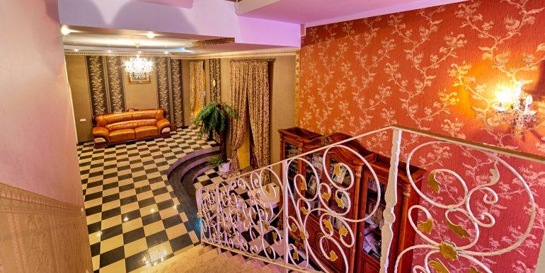 sale-odessa-private-home-for-hotel-photo-13