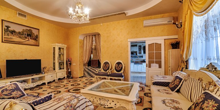 sale-odessa-private-home-for-hotel-photo-15