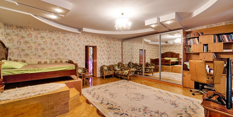 sale-odessa-private-home-for-hotel-photo-16
