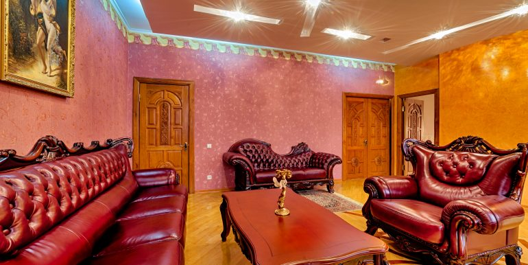 sale-odessa-private-home-for-hotel-photo-28
