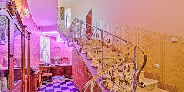 sale-odessa-private-home-for-hotel-photo-3