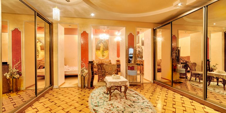 sale-odessa-private-home-for-hotel-photo-33