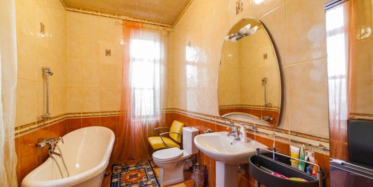 sale-odessa-private-home-for-hotel-photo-35