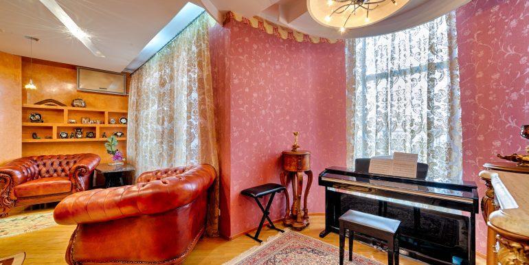sale-odessa-private-home-for-hotel-photo-36