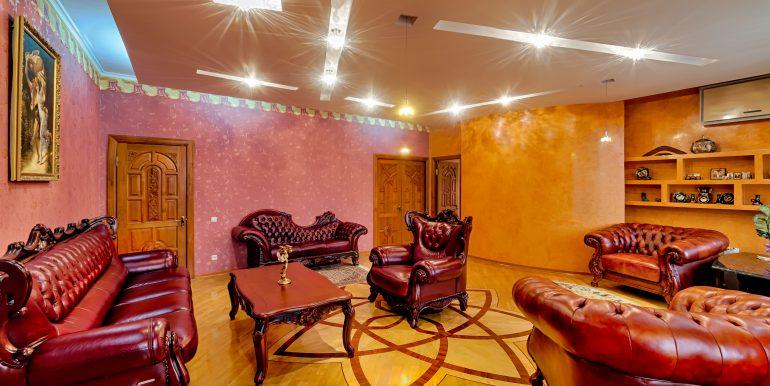 sale-odessa-private-home-for-hotel-photo-37