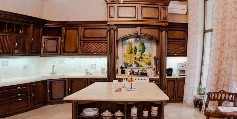 luxury-house-for-sale-in-odessa-photo06