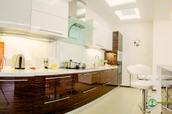 sale-2-bedroom-arcadia-odessa-apartment-01