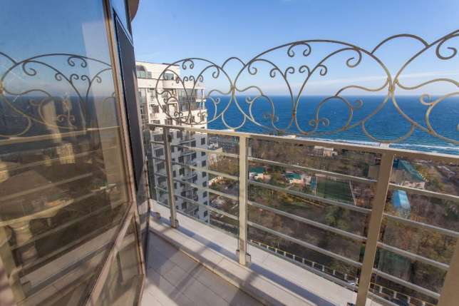 Sale 2 bedroom Odessa apartment with sea view