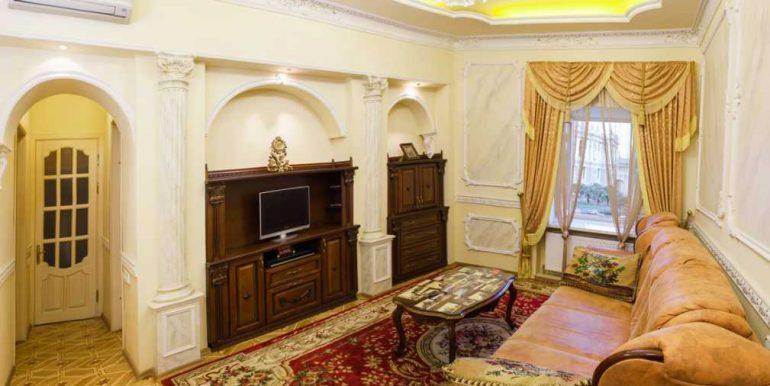 Sale 3 room Odessa Apartment on Deribasovskaya