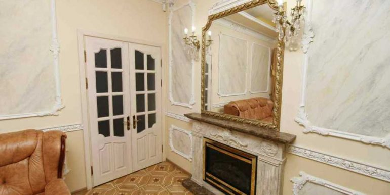 Sale 3 room Odessa Apartment on Deribasovskaya,photo 4