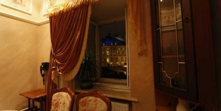 Sale 3 room Odessa Apartment on Deribasovskaya,photo 7