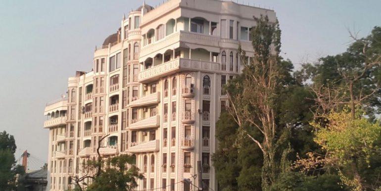 sale-3-room-apartment-city-centre-odessa-ukraine