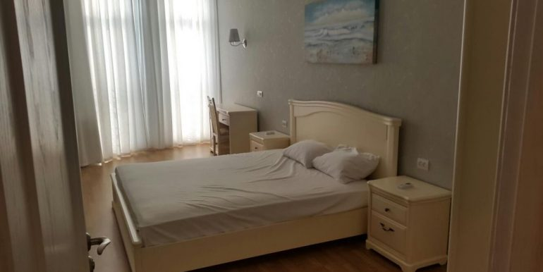 sale-3-room-apartment-city-centre-odessa-ukraine-photo-3