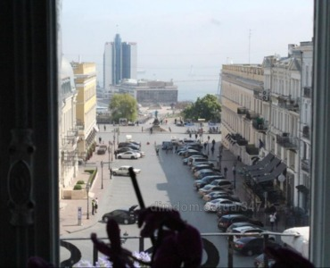 Sale apartment in Odessa in the historic center